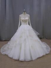 dress,wedding dress,wedding,sexy,gown,ball gown dress,lace,tulle dress,white,bride,fashion,maxi,style,long,puffy,puffy dress,pretty,cute,girly,trendy,dressofgirl