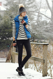 district of chic,blogger,gloves,down jacket,blue coat,pom pom beanie,hat,sweater,jacket,shoes,knitted gloves,quilted vest,blue,beanie,grey beanie,stripes,striped sweater,turtleneck,turtleneck sweater,winter outfits,winter look,striped turtleneck sweater