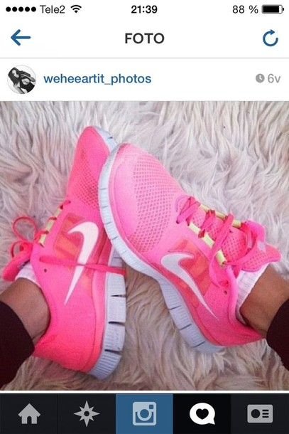 shoes nike running shoes bright pink nike runs