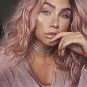 make-up,metallic lipstick,lipstick,nude lipstick,metallic,natural makeup look,pink hair,choker necklace,silver choker