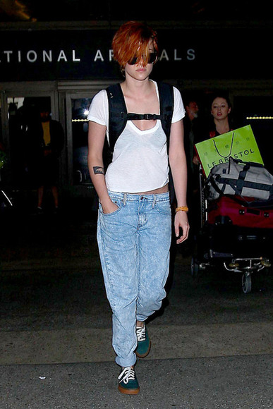 kristen stewart shoes sneakers boyfriend jeans