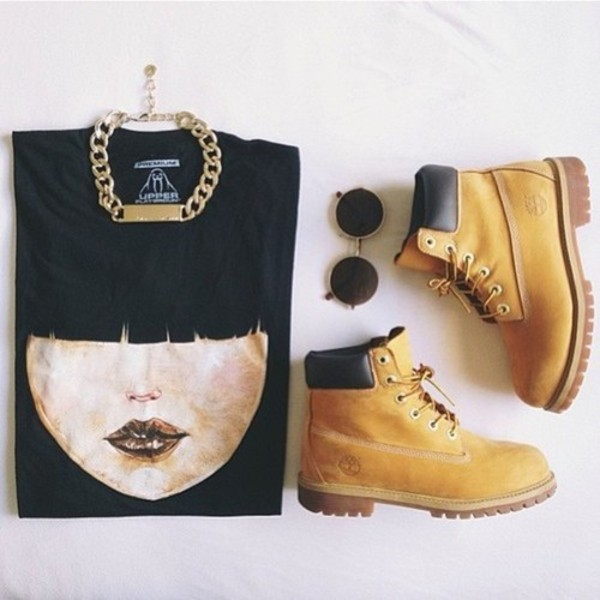 t-shirt t-shirt geisha swag swag hipster timberlands streetwear shoes jewels sunglasses