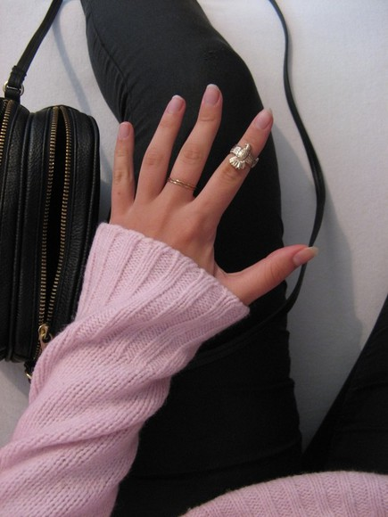 jewels ring gold ring gold gold rings rings bird ring black simple ring small ring knuckle ring peacock ring black pants pants pink sweater sweater pink winter