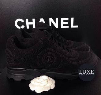 shoes chanel glitter sparkel fashion karlagerfiel fashiongirl black blackshoes chanel boots blackshoes lack skull