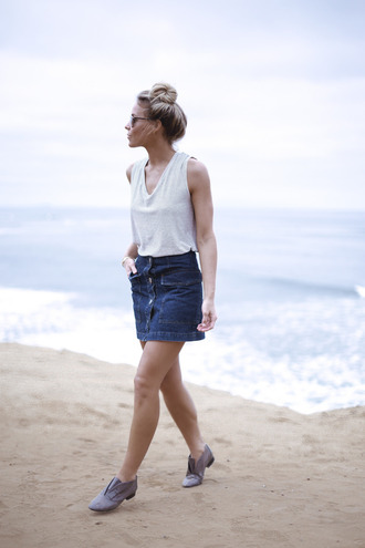 happily grey blogger oxfords button up skirt white top denim skirt