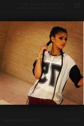 shirt,zendaya,blouse,number tee,75,sportswear,urban,old school,haute & rebellious,nastygal,gold,black,black and white,hip hop shirt,loose tshirt,print,printed t-shirt,t-shirt,teenagers,top