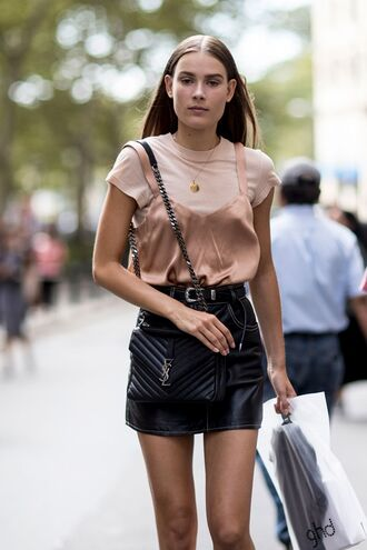 skirt top ysl tumblr mini skirt black skirt black leather skirt leather skirt belt pink top bag black bag ysl bag necklace accessory jewels blush pink pink t-shirt pendant date outfit cute outfits