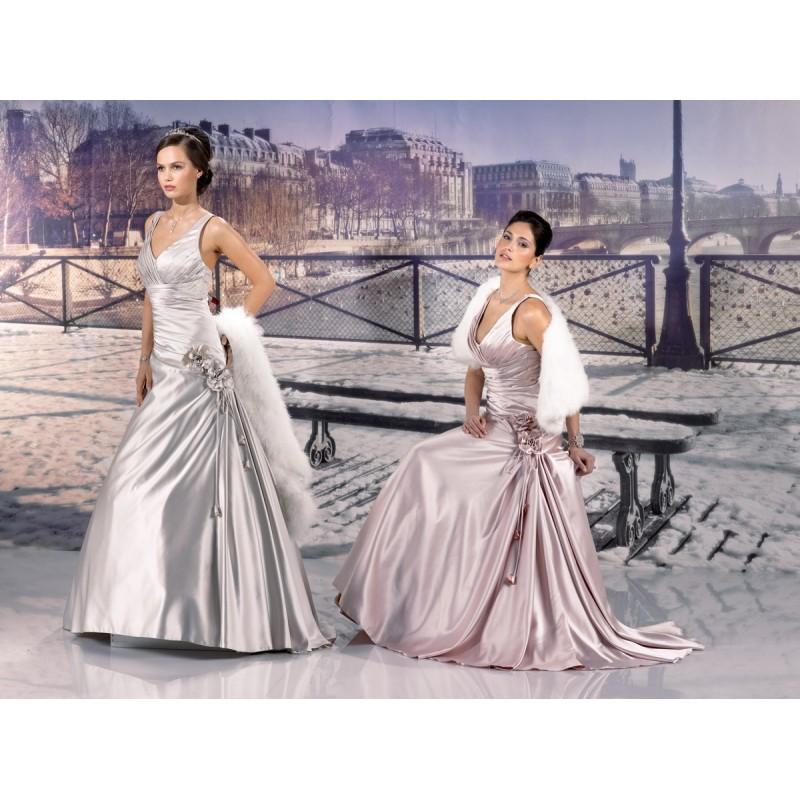 Miss Paris 133 12 Rouge Brick Et Gris Superbes Robes De Mariée Pas Cher Robes En Solde Divers Robes De Mariage Blanc