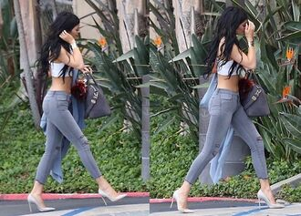 belt cartier jeans shoes heels bag top kyliejenner cartier kylie jenner grey jeans grey shoes pointed toe court shoes gray shoes grey heels grey pointed toe heels jewels croptops rip top blouse crop tops grey jeggings ripped jeans leggings denim tank top