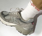 shoes,new balance sneakers,new balance,suede sneakers,low top sneakers,grey sneakers