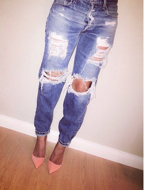 Distressed boyfriend jeans high waisted