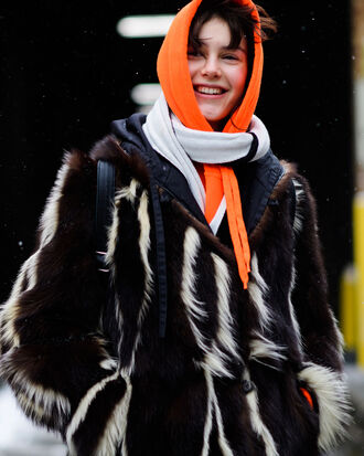 coat nyfw 2017 fashion week fashion week 2017 streetstyle fur coat scarf hoodie orange printed fur coat faux fur coat