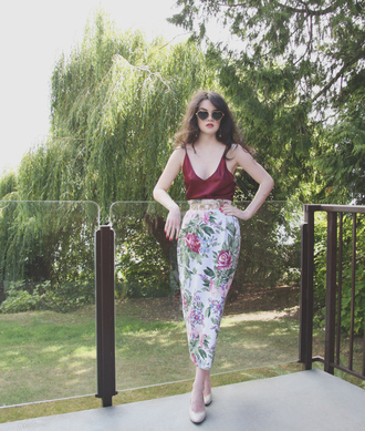 abbey e. life in red lipstick blogger sunglasses jewels belt skirt shoes