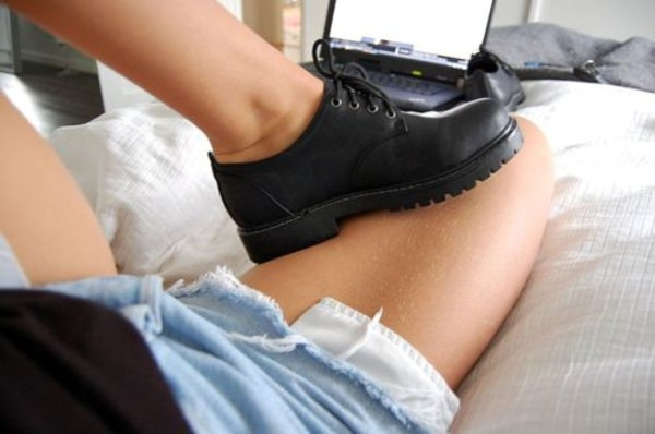 shoes shoes black grunge flat school shoes cleated sole jumpsuit black black shoes tumblr hipster boots flats flat boots derbies platform shoes ankel boots military boots DrMartens dms dark oxfords cool sweet amazing flawless dream noah new york city boyish leather back to school black shoes flat DrMartens