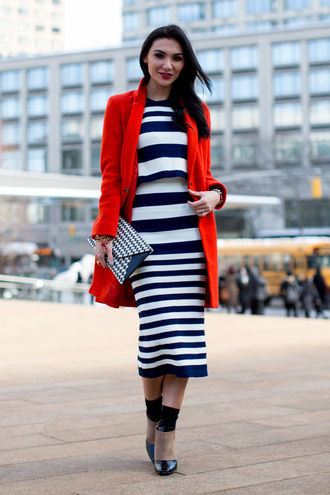 dress blue white red outfit striped dress bodycon dress midi dress coat red coat chic shoes black shoes bag blue bag
