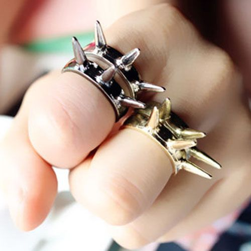 Hot new European and American style rivet punk retro ring ring - DualShine