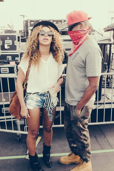 shoes shorts beyoncé denim shorts blouse striped blouse stripes blue white timberlands black hat hat sunglasses Jay Z jacket bag beyoncé coachella summer outfits boots casual