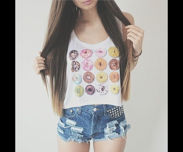 tank top donut shirt tank top shorts blouse top top donut white crop tops colorful top donut cool girl style hair accessory t-shirt dunuts girl girly summer boho bohemian grunge pale vintage hipster indie crop tops print cute pink