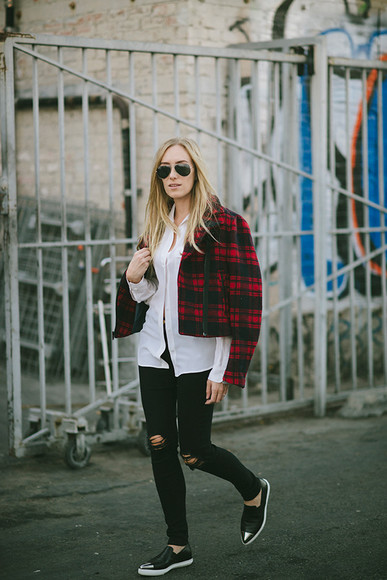 blogger jeans white shirt flannel jacket eat sleep wear pointed toe