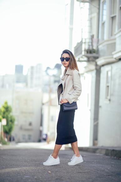 blogger sunglasses sneakers neon blush bag casual