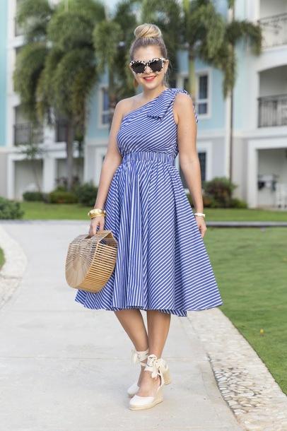 suburban faux-pas blogger sunglasses dress jewels bag shoes cult gaia bag midi dress wedges striped dress
