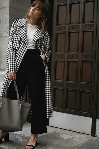 teetharejade blogger coat bag shoes jewels trench coat tote bag sandals black pants