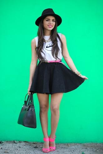 skirt shirt jewels hat bag belt nany's klozet