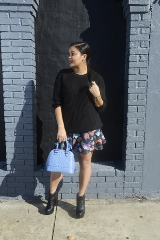 the fashionista next door blogger sweater floral skirt
