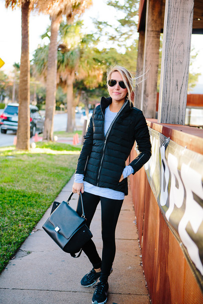 krystal schlegel blogger jacket down jacket leggings pants shirt shoes