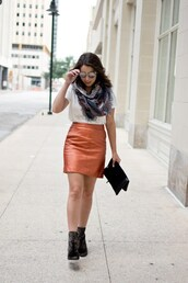 skirt,a-line skirt,faux leather skirt,metallic skirt,t-shirt,scarf,clutch,blogger,blogger style,ankle boots
