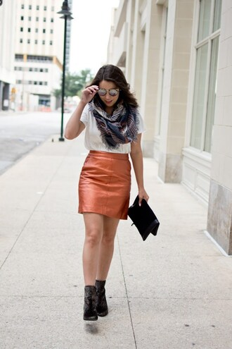 skirt a-line skirt faux leather skirt metallic skirt t-shirt scarf clutch blogger blogger style ankle boots
