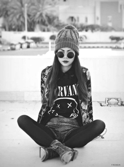 jacket glasses shirt black and white sunglasses vintage hat