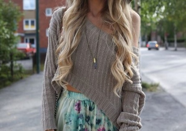 sweater grey skirt floral skater necklace cute comfy slouchy long sleeves shirt sooo pretty❤️