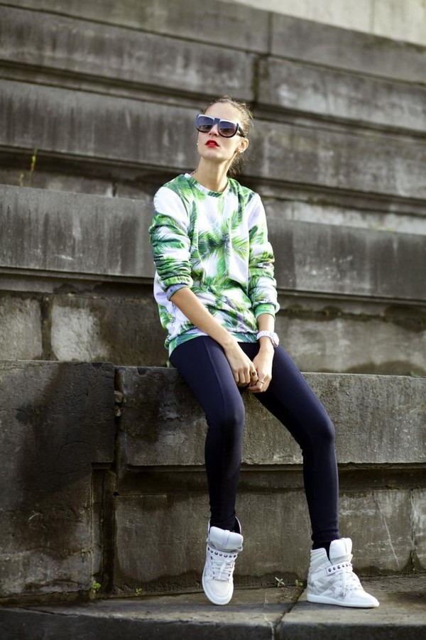 from brussels with love shoes pants sweater jewels sunglasses