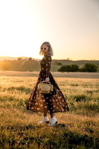 late afternoon blogger dress shoes sunglasses bag cult gaia bag ankle boots black dress midi dress spring outfits