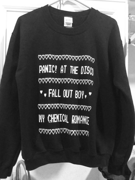 sweater cute panic at the disco panic! at the disco fab my chemical romance fall out boy panic at the disco panic! fall out boy my chemical romance perf black rock hearts soft grunge alternative grunge bands white winter sweater