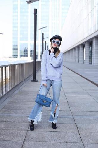 from brussels with love blogger sweater jeans bag shoes sunglasses ripped jeans beret grey sweater blue bag ankle boots spring outfits
