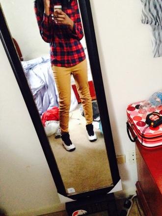 pants skinny pants mustard yellow pants pyrex pyrex 23 top shirt black help please air jordan nike air jordan 10 shoes shirt