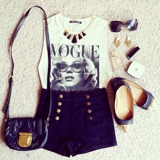 shorts marilyn monroe black shorts gold tipped shoes vogue vintage retro t-shirt high waisted shorts denim shorts sailor shorts blue shoes blue shorts shirt white t-shirt