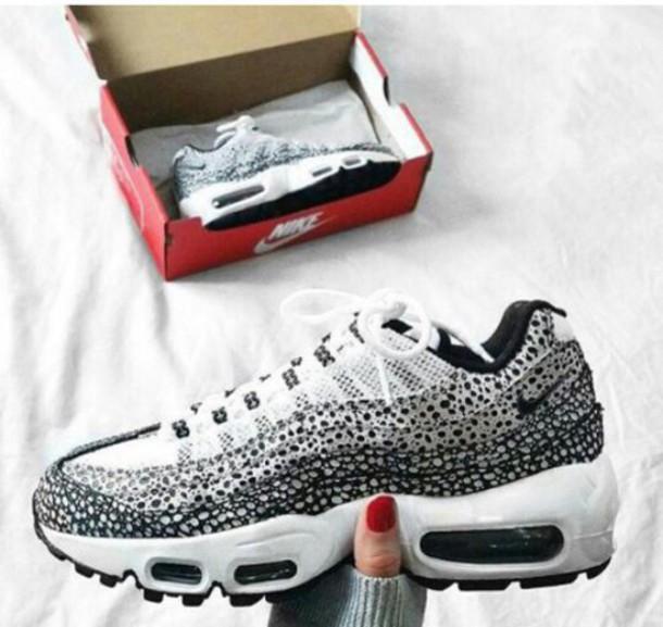 shoes, nike, sneakers, air max, air max 95, nike air max 95, white, black,  black and white, fashion, streetwear, urban, black and white sneakers, bw,  nike ...