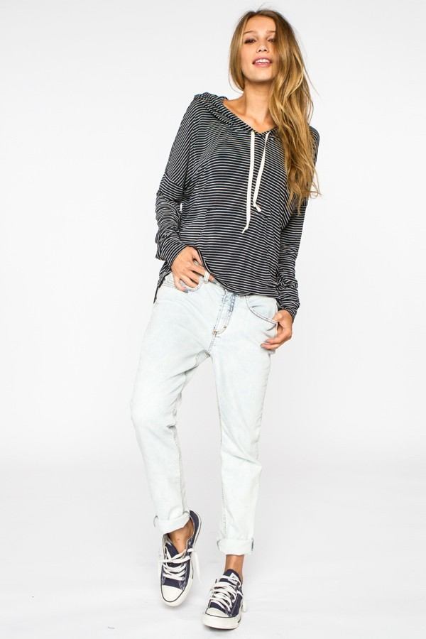 jeans brandy melville clothes boyfriend jeans sweater girl ripped ripped jeans tumblr outfit stripes top