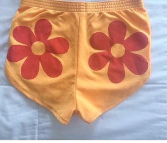 shorts retroshorts groovy festival 60s style retro flowerpower daisy