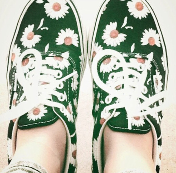 shoes lovely sweet hipster blogger style nice summer outfits cute cool floral floral shoes green shoes