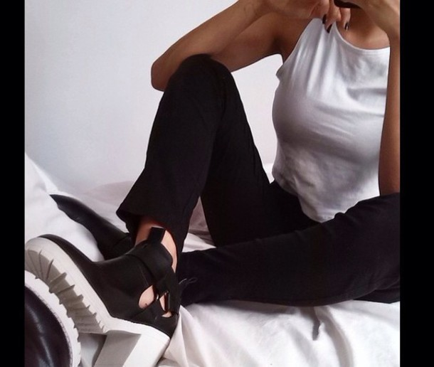shoes white black high heels black heels