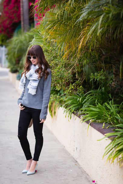 m loves m blogger scarf grey sweater black jeans sweater jeans shoes bag sunglasses jewels