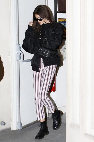 jacket pants model off-duty kaia gerber sunglasses bomber jacket jeans