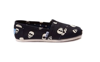 shoes toms skull cute girl girls sneakers punk