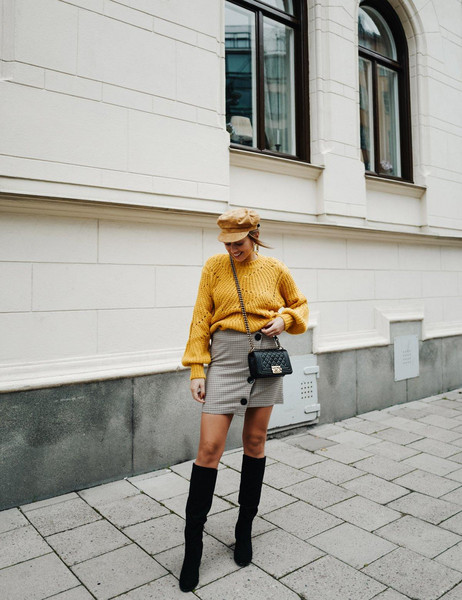 kenza blogger sweater shoes skirt hat jewels bag knee high boots yellow sweater fall outfits button up skirt