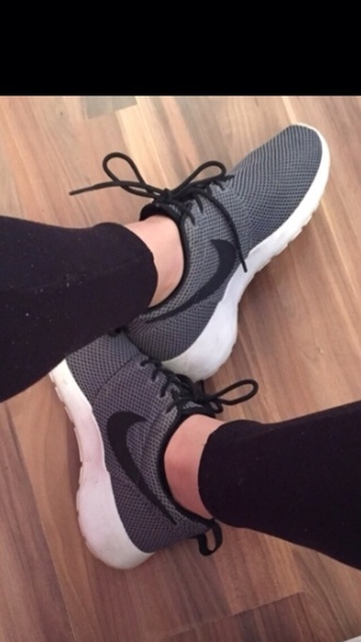shoes black grey white nike classy sporty nike running shoes nike shoes
