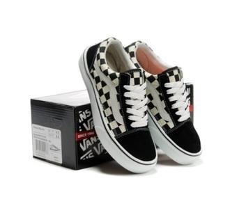 shoes vans sneake black and white skater